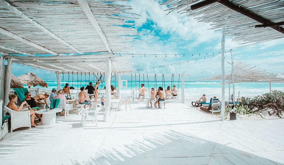 happy-address-coco-beach-bar